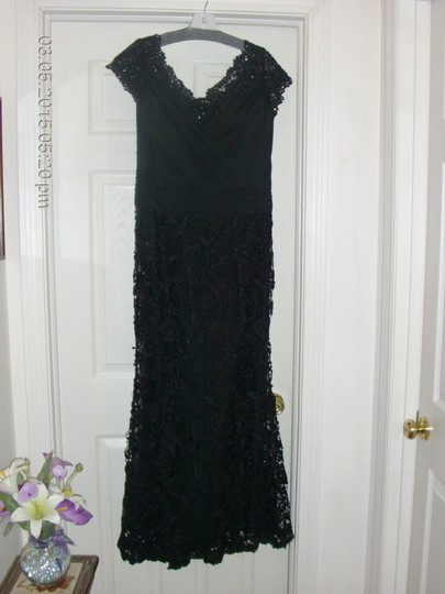 Mori Lee Black with Black Lace & Sequin Trim Gown Over Tulle Mother-of-the-bride Formal Bridesmaid/Mob Dress Size 12 (L) Image 4
