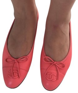 Chanel Coral Flats
