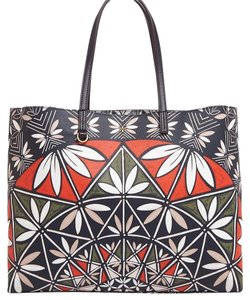 Tory Burch Tote in Multi Pottery Print
