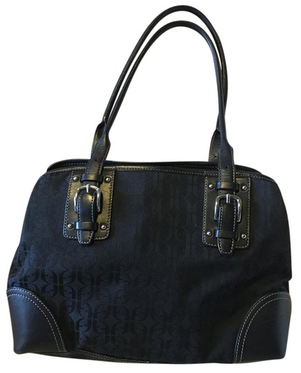 Preload https://img-static.tradesy.com/item/20192880/fossil-classic-logo-zipper-closure-buckle-on-straps-black-leather-and-canvas-hobo-bag-0-2-540-540.jpg