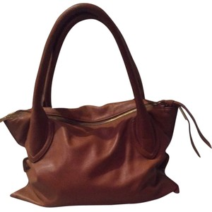 Foley and corina Satchel in Whiskey