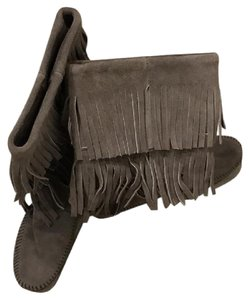 Minnetonka Tiered Suede Fringe Boots