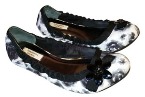 Simply Vera Vera Wang Black and white and grey Flats