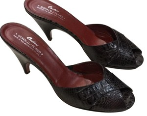 Donald J. Pliner Dark brown Mules