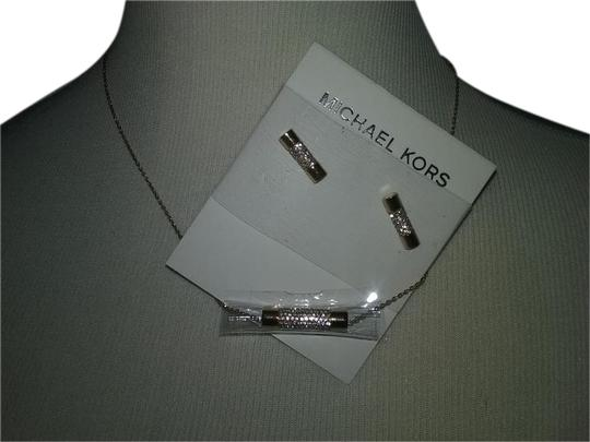 Preload https://img-static.tradesy.com/item/2019495/michael-kors-crystal-cylinder-cylindrical-earrings-necklace-0-8-540-540.jpg