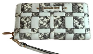 Michael Kors Wristlet in Ecru Natural White