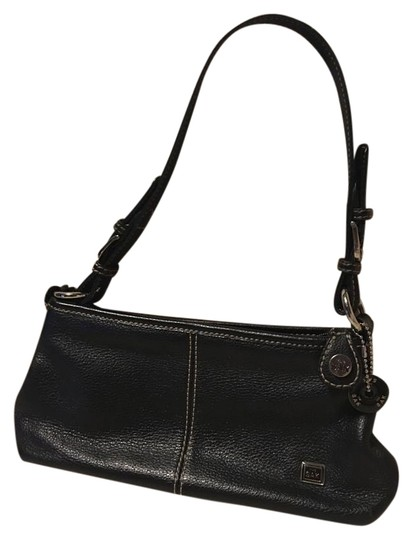 Preload https://img-static.tradesy.com/item/20195306/the-sak-2-open-pocket-exterior-buckle-straps-1-zippered-interior-pocket-black-leather-clutch-0-1-540-540.jpg