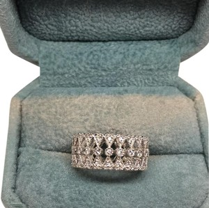 14 karat white gold ladies diamond band