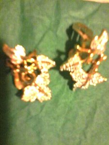 1945 Vintage Clip-on Leaf pattern earrings