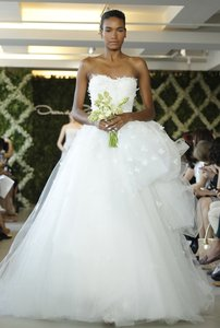 Oscar De La Renta 44e50 Dorian Wedding Dress