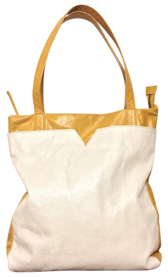 Preload https://img-static.tradesy.com/item/20197138/latico-ochre-metallic-shoulder-handbag-india-yellow-leather-tote-0-1-540-540.jpg
