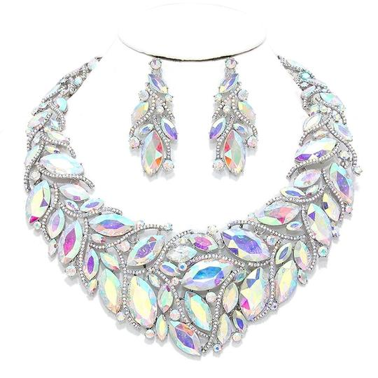 Preload https://img-static.tradesy.com/item/20198032/silverrhodium-ab-clear-rhinestone-and-crystal-teardrops-and-earrings-necklace-0-1-540-540.jpg