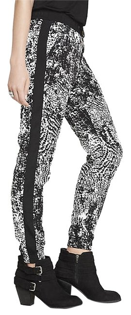 Preload https://item5.tradesy.com/images/express-black-and-white-crocodile-print-jogger-relaxed-fit-pants-size-0-xs-25-2020054-0-0.jpg?width=400&height=650