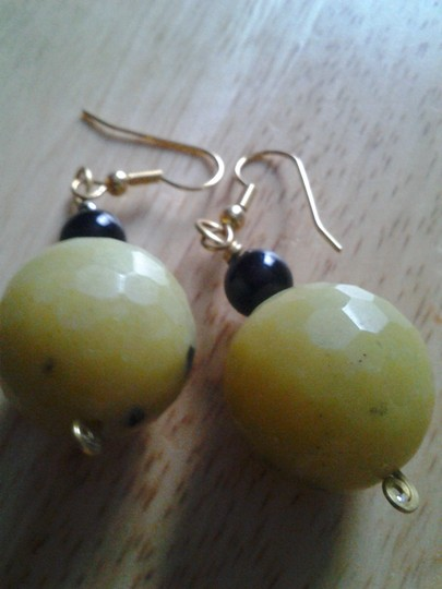 handmade NEW Handmade Genuine Faceted SERPENTINE w Black Accent Beaded Drop EARRINGS NWOT Buy3Get1FREE Sale!