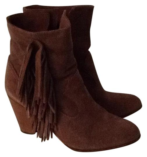 Preload https://img-static.tradesy.com/item/20200786/steve-madden-taupe-pallas-bootsbooties-size-us-85-regular-m-b-0-3-540-540.jpg