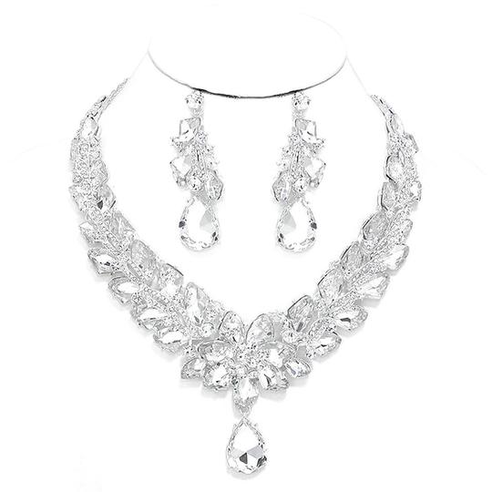 Preload https://img-static.tradesy.com/item/20200817/silverrhodium-clear-rhinestone-and-crystal-teardrops-and-earrings-necklace-0-1-540-540.jpg