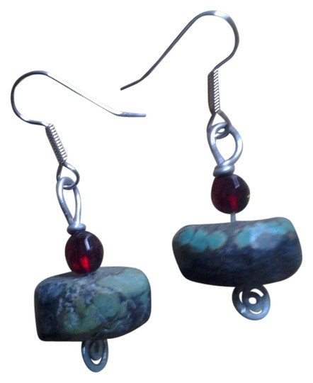 Preload https://img-static.tradesy.com/item/2020096/turquoise-and-red-new-genuine-chunky-beaded-earrings-0-0-540-540.jpg