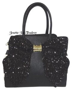 Betsey Johnson 3d Flowers Satchel in black/bone