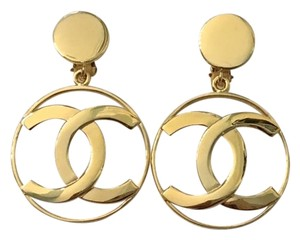 Chanel 100% Authentic Vintage Chanel Runway Dangle Earrings