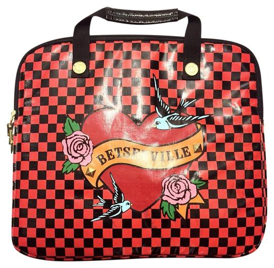 Preload https://img-static.tradesy.com/item/20201552/betseyville-by-betsey-johnson-checkered-briefcase-tote-red-vinyl-laptop-bag-0-1-540-540.jpg