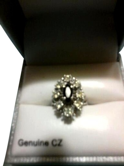 Not Rated Black center stone and CZ silver ring size 7