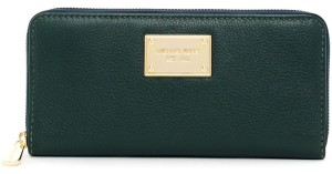 Michael Kors NWT Michael Kors Hunter Green Jet Set Continental Wallet
