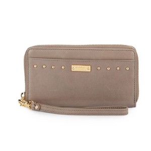 Badgley Mischka Wristlet in Gray