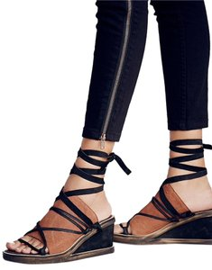 Free People Bowery Lace Up Leather Tan/Black Wedges
