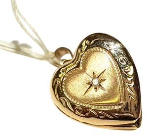 DeWitt's Beautiful 14K Gold Heart Locket Pendant With Diamond