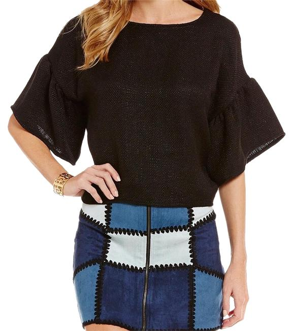 Preload https://img-static.tradesy.com/item/20202566/sugarlips-black-bell-sleeves-night-out-top-size-2-xs-0-1-650-650.jpg