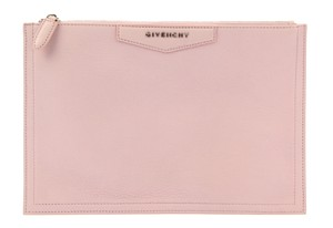 5db0ee2fbfc0e Givenchy Pouches - Up to 70% off at Tradesy