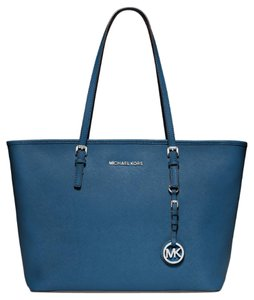 Michael Kors Michael Jet Set Travel Large Tote in Steel Blue
