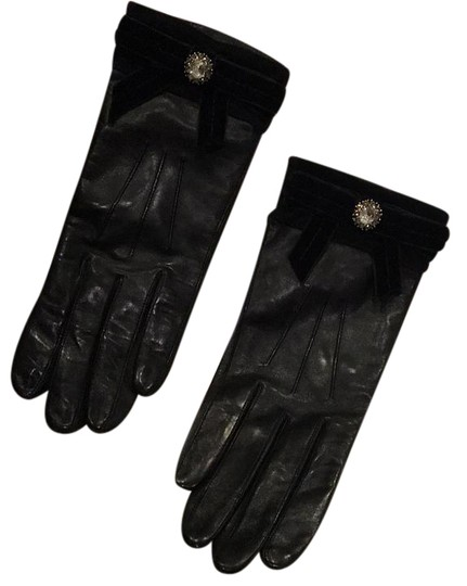 Preload https://img-static.tradesy.com/item/20203038/coach-black-leather-gloves-scarfwrap-0-1-540-540.jpg