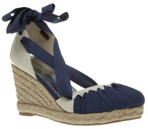 ShoeDazzle Navy Wedges