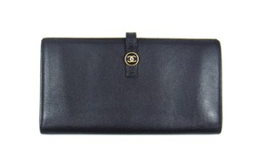 Chanel Black Leather Long Bifold Clutch Wallet w/ Snap Closure Italy