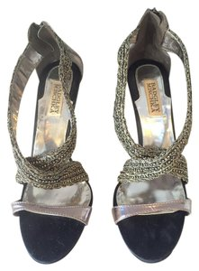 Badgley Mischka Leather Silver Metallic Pumps