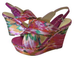 Marc Fisher New Size 8.00 M Excellent Condition Fuchsia, Green, White, Yellow, Platforms