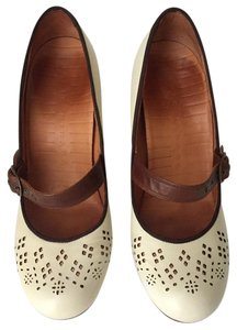 Chie Mihara Creme Mary Janes Pumps