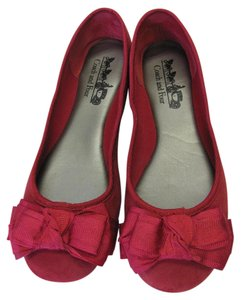 Coach and Four Suede Leather Size 6.50 M Very Good Condition Red Flats