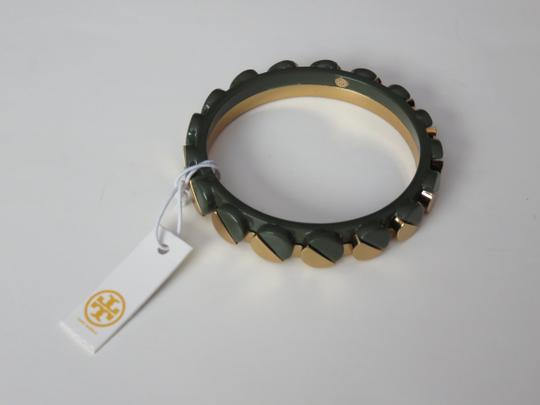 Tory Burch Nwt Tory Burch Connor Gold Tone And Green Bangle Bracelet Size Small