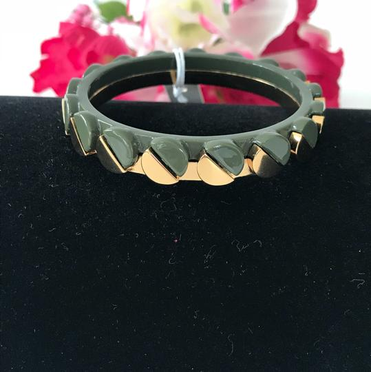 Tory Burch Nwt Tory Burch Connor Gold Tone Green Bangle Bracelet Size Small Image 4
