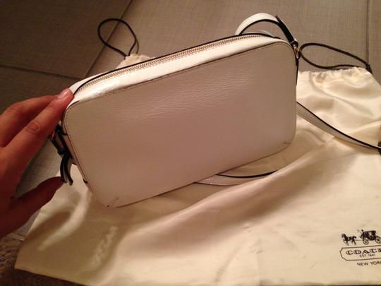 Coach Patent Leather Gold Hardware Cross Body Bag Image 5