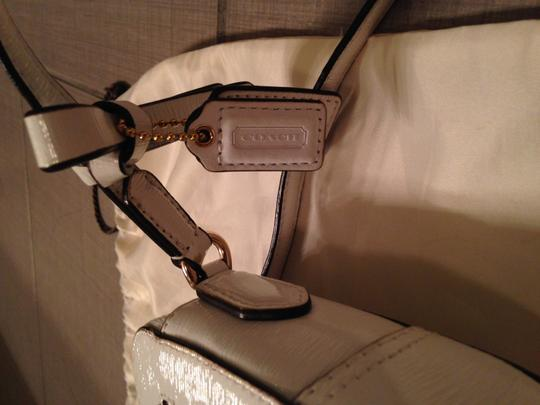Coach Patent Leather Gold Hardware Cross Body Bag Image 6