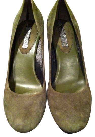 Preload https://item1.tradesy.com/images/banana-republic-olive-green-union-pumps-size-us-8-202055-0-0.jpg?width=440&height=440