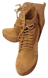 BCBGeneration Wedge Suede Stylish Camel/Brown Boots