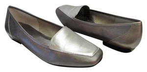 Antonio Melani Leather Size 8.50 M Excellent Condition Dark and Light Bronze, Silver Flats