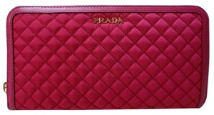 Prada tessuto quilted wallet Tessuto quilted wallet