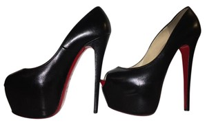 Christian Louboutin Leather Patent Leather Pump Black Pumps