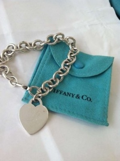 Preload https://img-static.tradesy.com/item/202088/tiffany-and-co-sterling-silver-heart-tag-bracelet-0-0-540-540.jpg