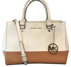 Michael Kors Satchel in White/Tan